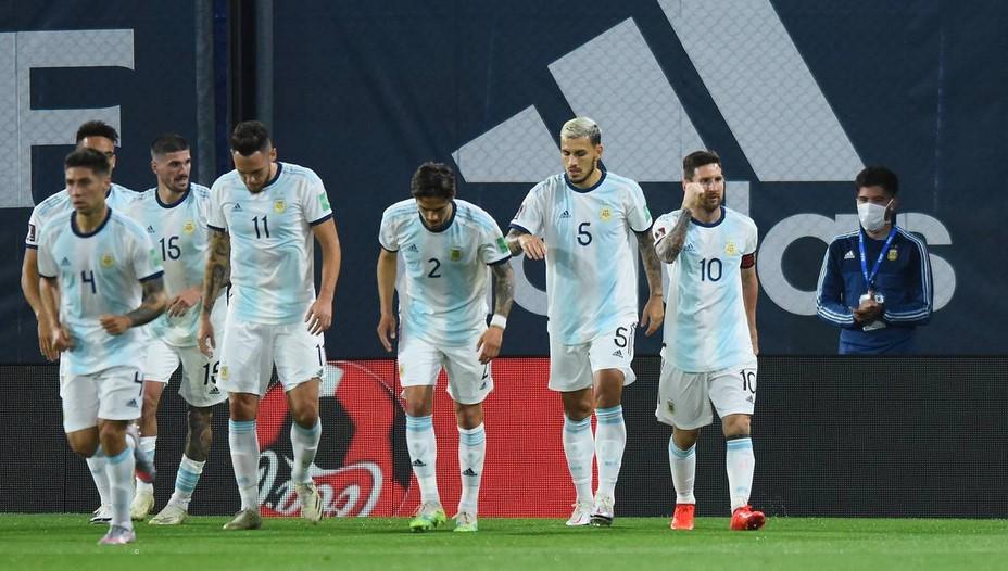"""Argentina """"Menangguhkan Kejuaraan Sepak Bola di Negaranya"""""""